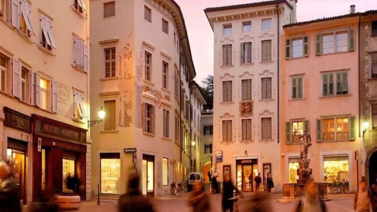 Spostamento posteggi mercato di Rovereto