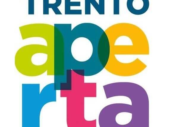 CIA e Ancora in piazza Cesare Battisti a Trento